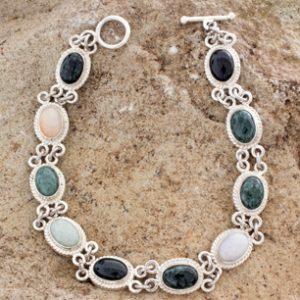 Guatemalan Jade Heart Necklace, 'Jade Heart'