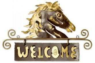 Steel Black Welcome Sign Outdoor Living Horse, 'Golden Horse Welcome'