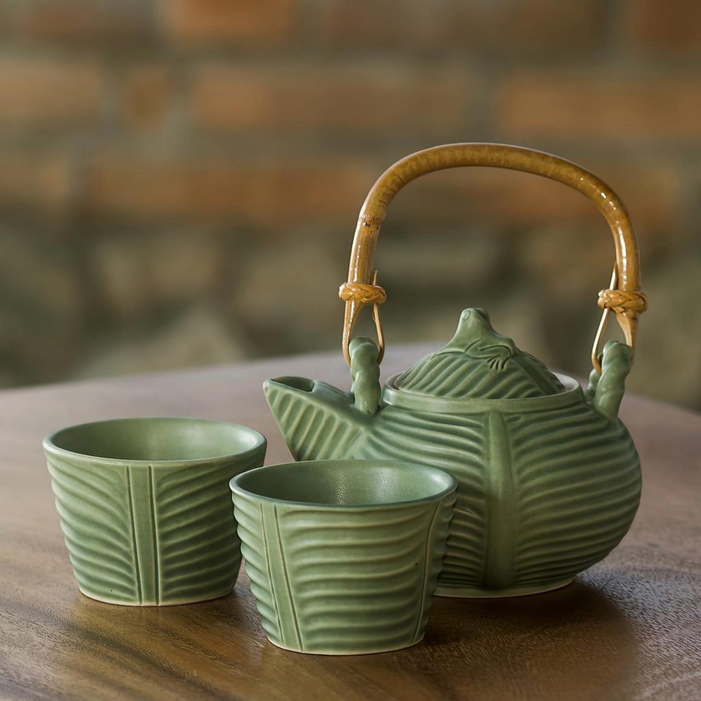 Banana Leaf Frog Tea Set - Finding the Right Gift for Mom
