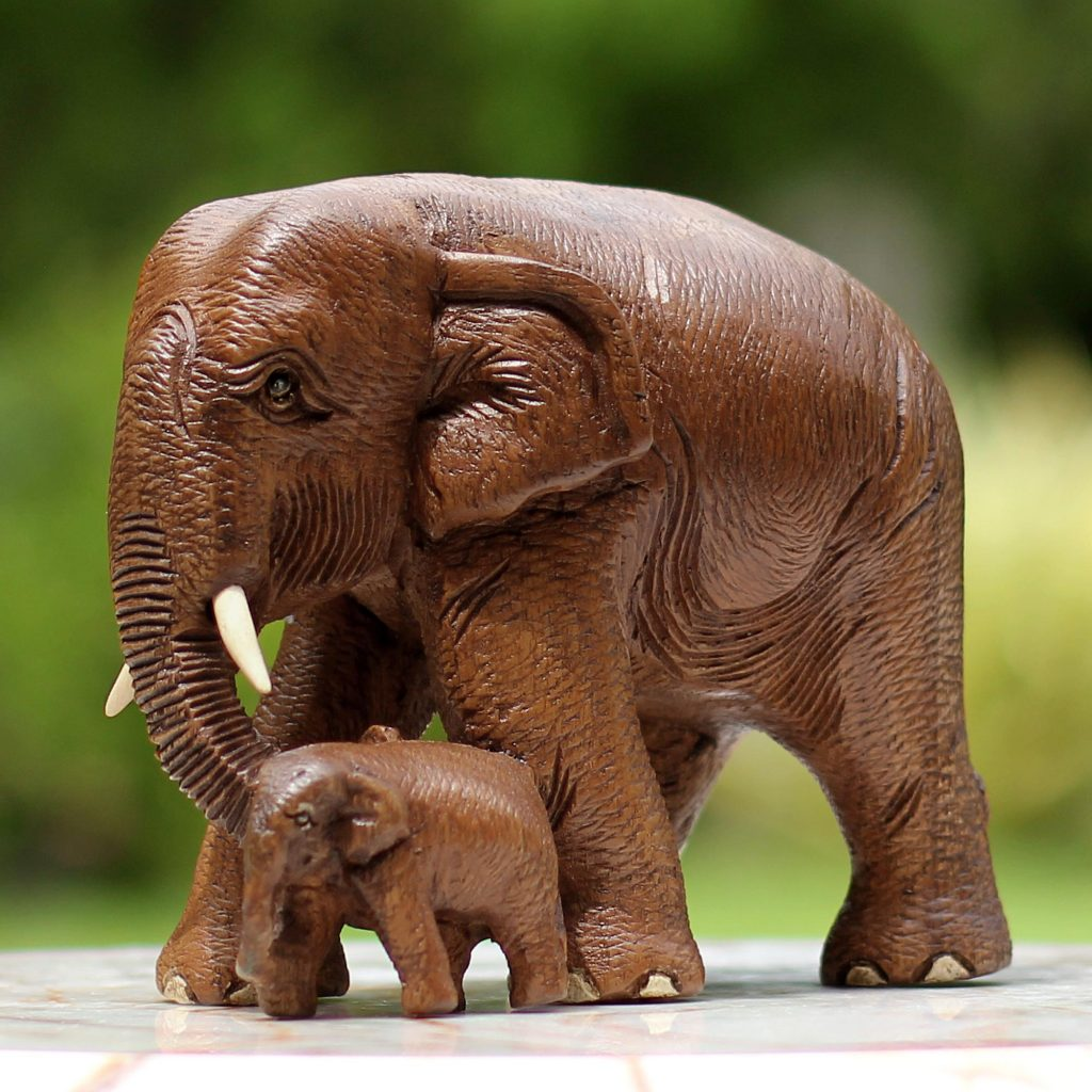 teakwood sculpture of Mother and Child Elephants - Finding the Right Gift for Mom