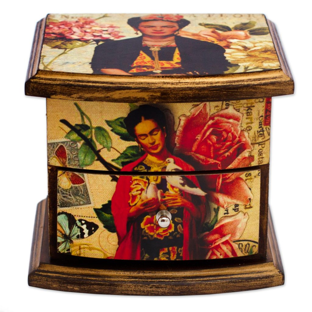 Frida Kahlo Decorative Box - finding the right gift for mom